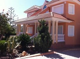 Beautiful Villa overlooking the Yatching Club in La Manga