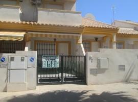 Dúplex en la calle principal de Playa Paraíso