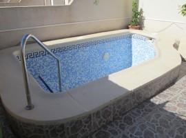 Bungalow con la piscina particular