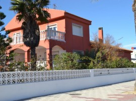 Detached house with excellent location in La Manga