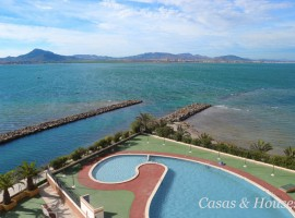 Apartment next to the entrance of La Manga and first line of the Mar Menor Sea