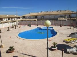 Dúplex con acceso directo a la piscina comunitaria