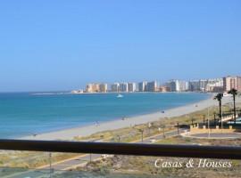 Apartamento a orillas del Mediterráneo y con vistas a ambos mares