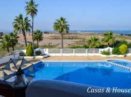Residencial Azarbe with excellent location at the entrance of La Manga