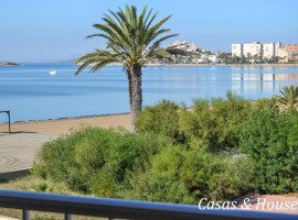 Sea front apartment with excellent location in La Manga
