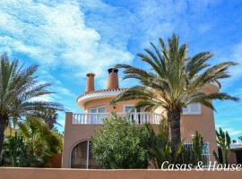 Magnificent property with excellent location close to both seas in La Manga