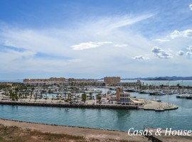 Beautiful Apartment overlooking the Yatching Club Tomas Maestre