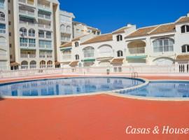 Residencial Marina Sol con piscina y paseo Marítimo frente al Mar.