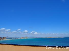 Impresionante Ático de tres dormitorios con vistas panorámicas al Mar Mediterráneo y Faro del Estacio.