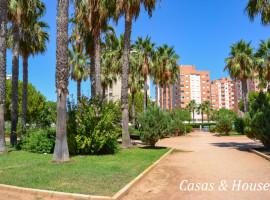 Luz Bahía apartamento de 3 dormitorios con vistas a un precioso jardín arbolado