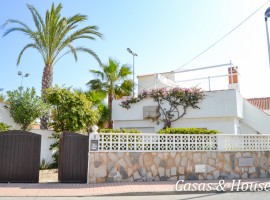 Detached house in La Manga